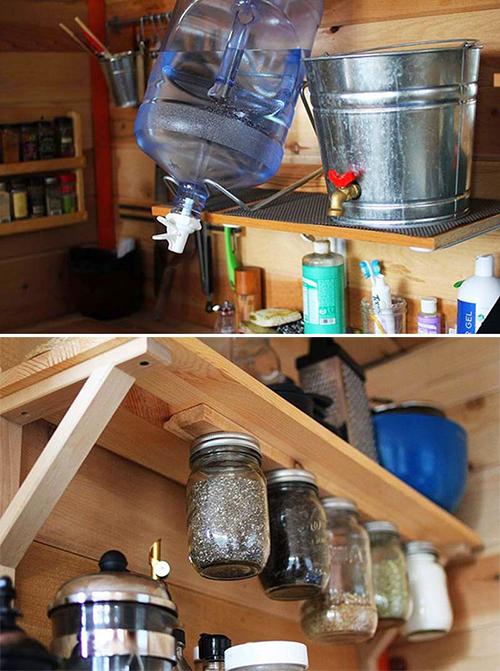 Construyen su propia casa con materiales reciclados 3