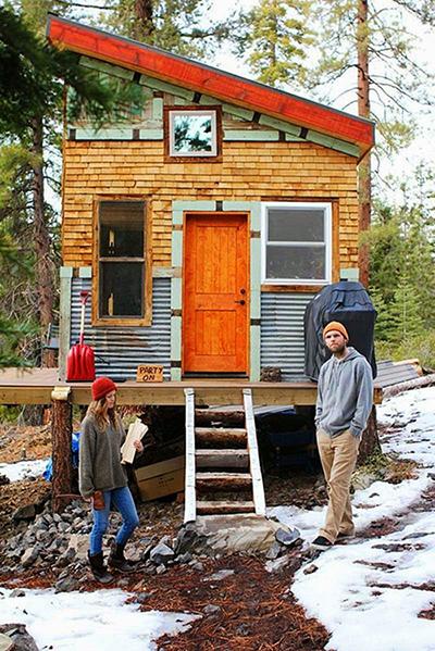 Construyen su propia casa con materiales reciclados 7